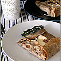 Galettes de sarrasin aux courgettes, champignons & chaource