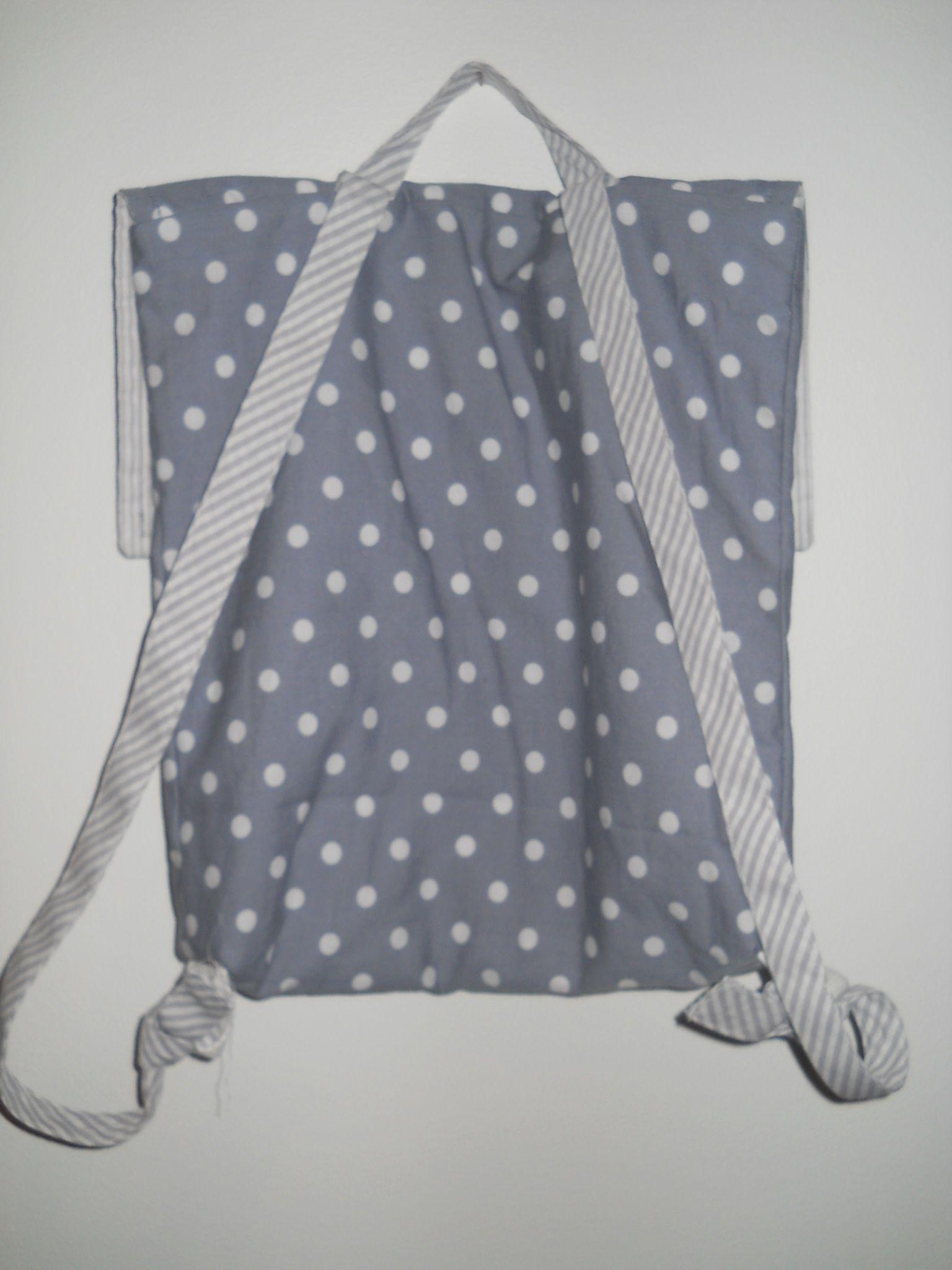 Cartable maternelle gris à pois blanc bretelles rayées gris et blanc