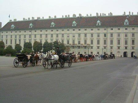 Heldenplatz au centre de la Hofburg