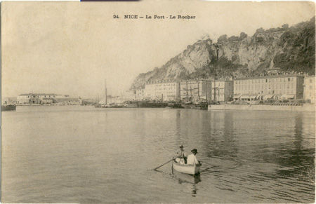 06 - Nice - Le port - le rocher