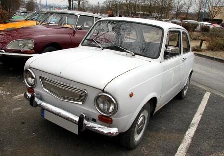 Fiat_850__23_me_Salon_Champenois_du_v_hicule_de_collection__01