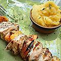 Brochette de mignon de porc aux pêches, polenta crémeuse