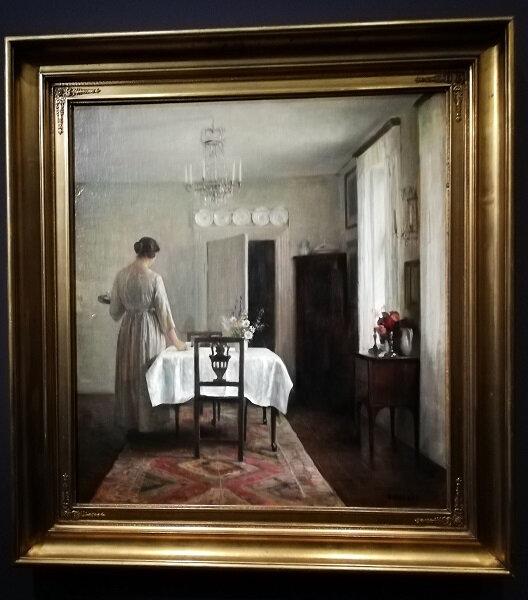 carl Holsoe Femme de l'artite dressant la table 1894-1898