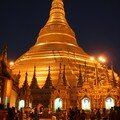 Birmanie / Yangoon / Shwedagon by night