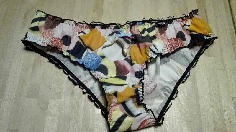 Culotte CHARLOTTE en popeline de coton imprimé bonbons anglais - noeud ciel (2)