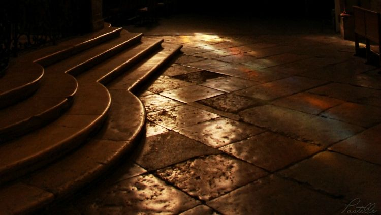 Lumière église Romans_13 21 01_7331