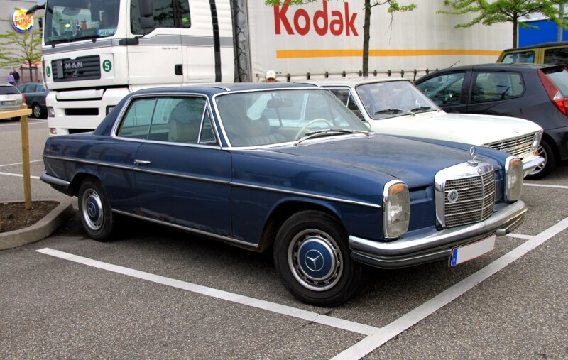 Mercedes 250 CE automatic (Rencard du Burger King) 01