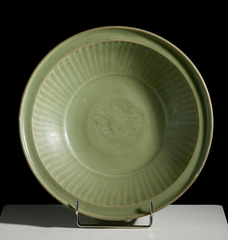 Grand plat céladon, dynastie Ming, 15°-16° siècle