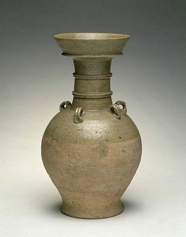 Vase with dish-shaped mouth, Southern China, Sui dynasty (581-618)