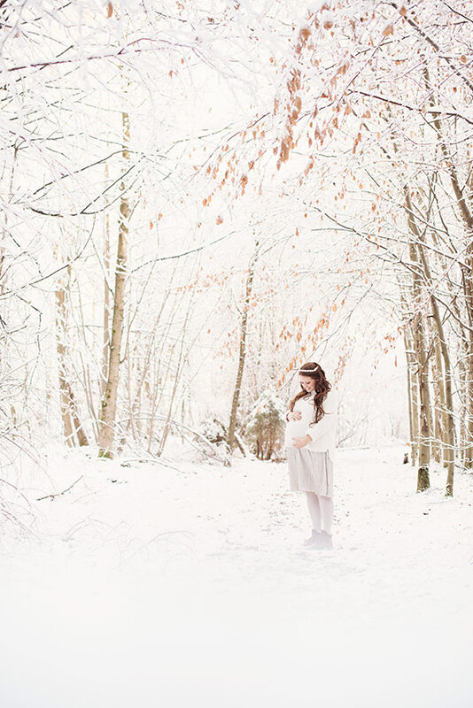 snow_maternity_shoot_2