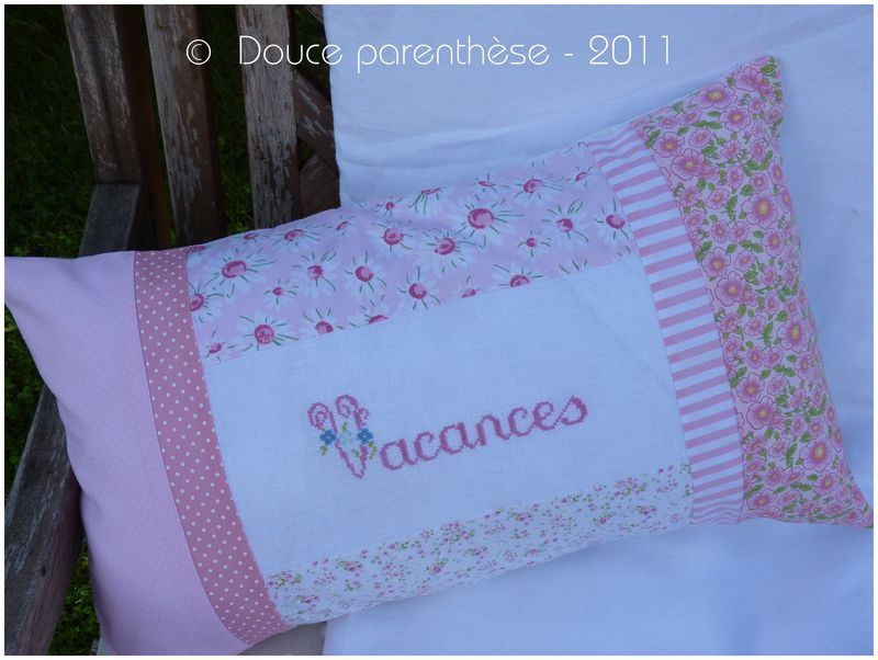Coussin rose Vacances