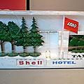 Lego, la boîte 990 (set 990) ! un modèle assez peu courant qui date de 1969... encore sous son cellophane d'origine !
