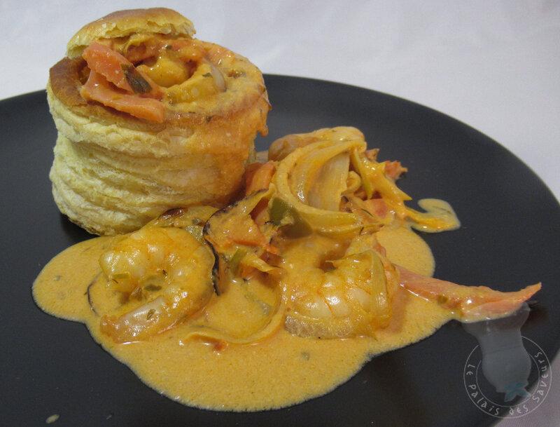 Crevettes et saumon fumé, sauce crémeuse tomate estragon
