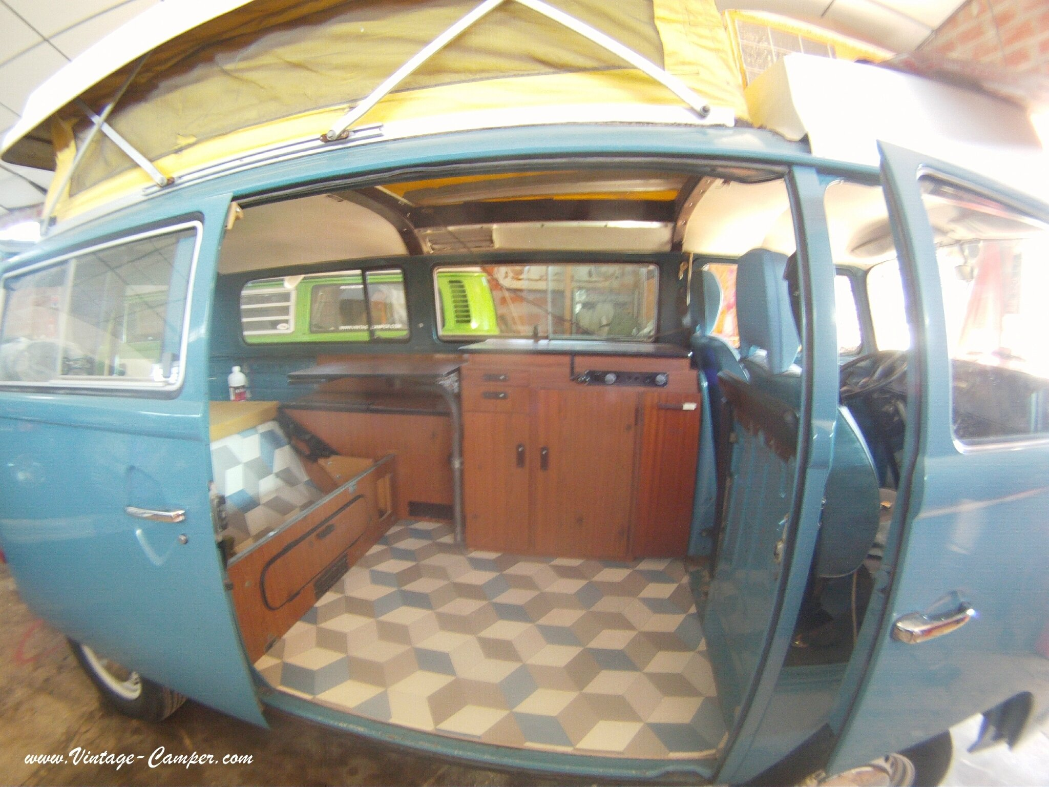 am nagement riviera combi vw vintage camper. Black Bedroom Furniture Sets. Home Design Ideas