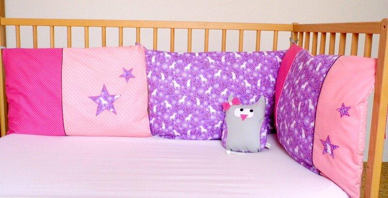 Tour de lit thême licornes liste de naissance sur mesure
