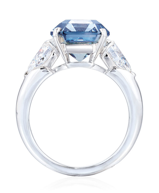 2019_GNV_17436_0246_001(exceptional_coloured_diamond_and_diamond_ring_moussaieff)