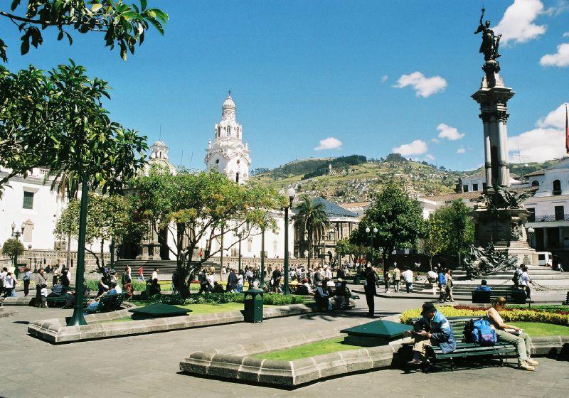 QUITO - Plaza de Armas