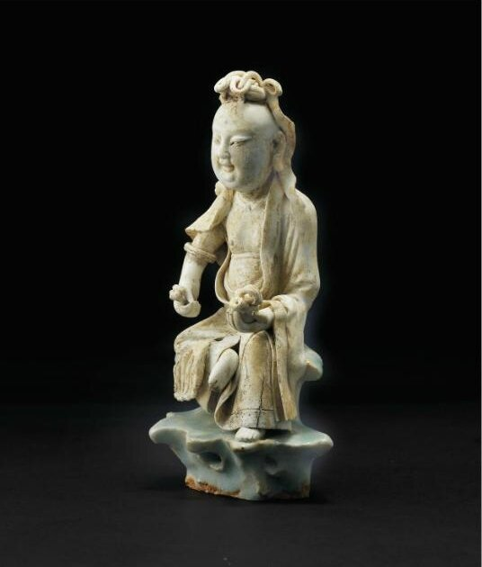 A very rare Qingbai seated figure of Guanyin, Southern Song dynasty (1127-1279)