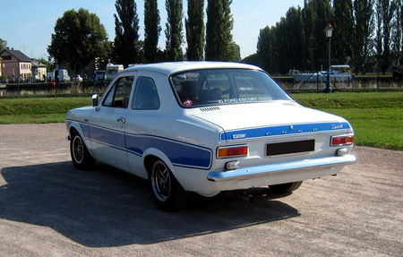 Ford_escort_RS_2000_02