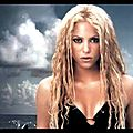 [videos] shakira 'nothing else matters' live from paris + barefoofoundation