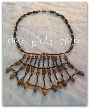 collier perles et graines