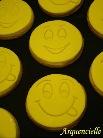 Biscuits smiley anniversaire 12 ans