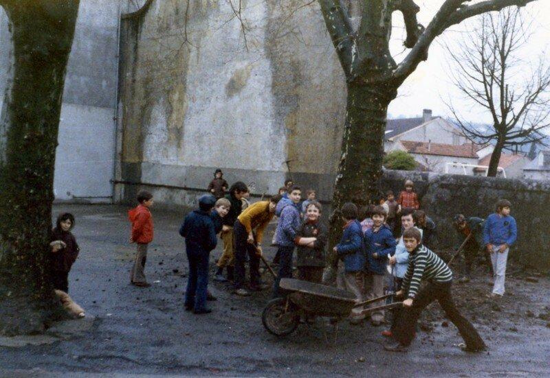 ON S' ACTIVE en Primaire 1973 263