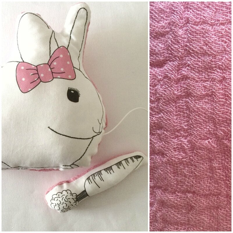 coussin-musical-lapin-happy-simplicity-rose