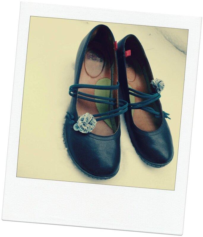Boule tissu pompons chaussures POla Déc 2014