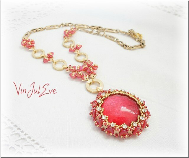 Collier halsua rouge or 1