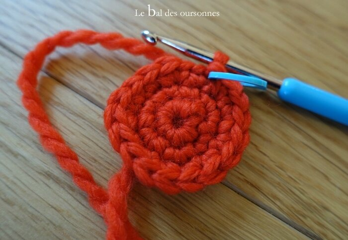 116 Blog Cocon Bébé Laine Pois rouges crochet