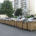 instalation des poubelles en attendant le passage de Véolia