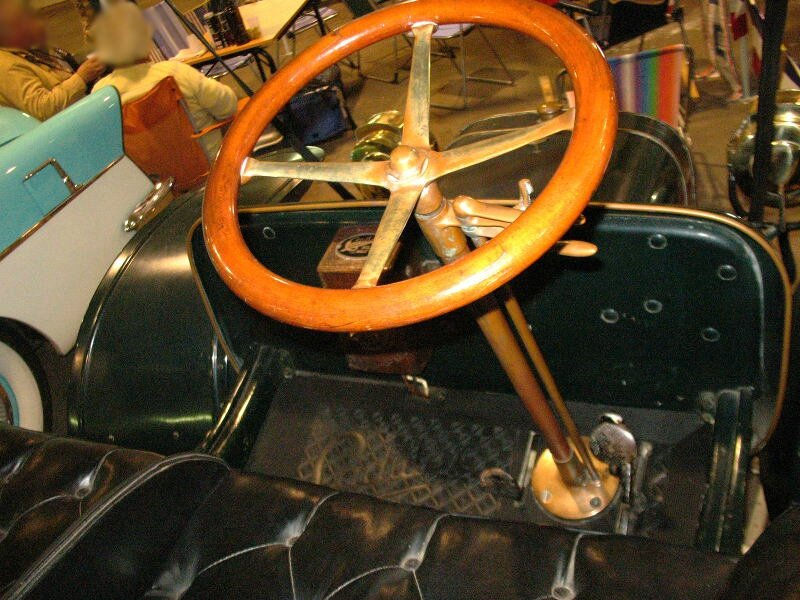 CadillacKRunabout1907int