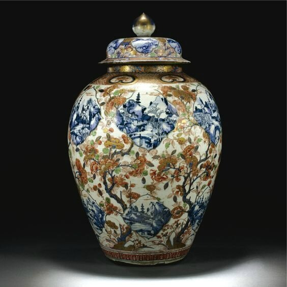 A large and rare blue and white and Imari jar and cover, Qing dynasty, 18th century