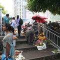 Petit marché à la gare Victoria
