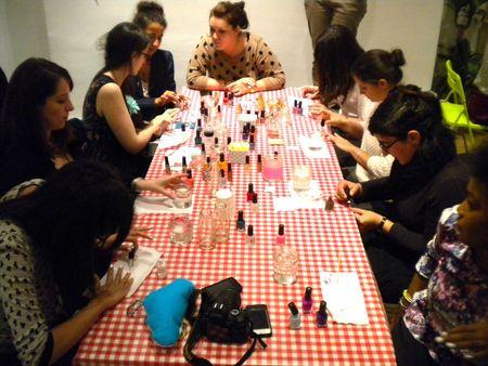 dawanda-table-nail-art