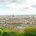 Pour le plaisir : vue panoramique de lyon depuis la basilique notre-dame de fourvière (vierge noire)