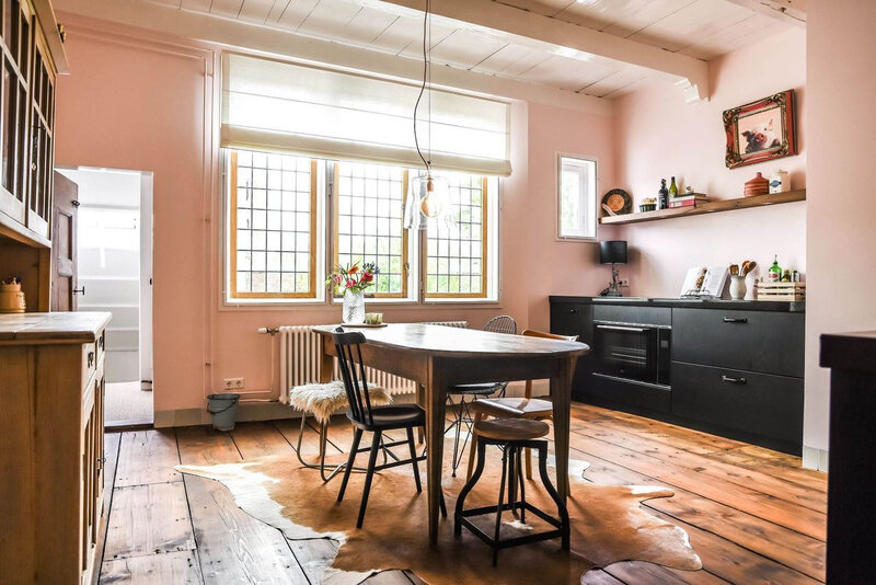 A romantic vintage apartment styling by Copparstad photos by Spinnell (15)