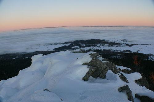 2008 12 24 La neige sur les hauteurs du Pic du Lizieux et la mer de nuages en arrière plan