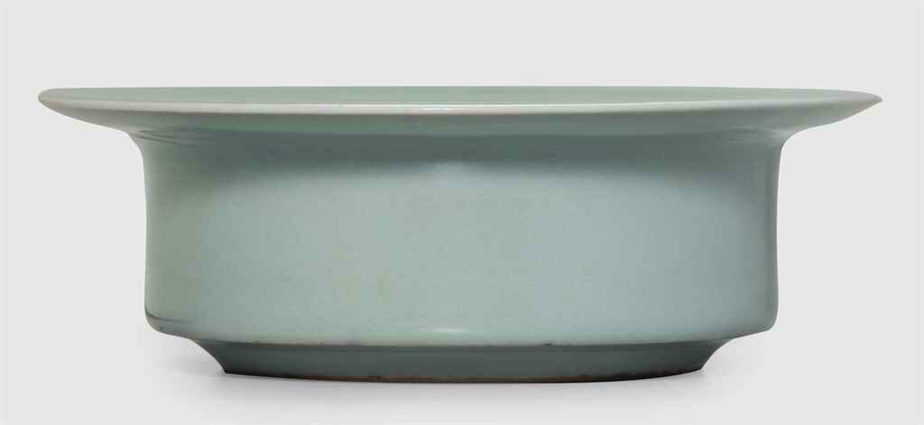 A rare Longquan celadon brush washer, Southern Song dynasty (1127-1279