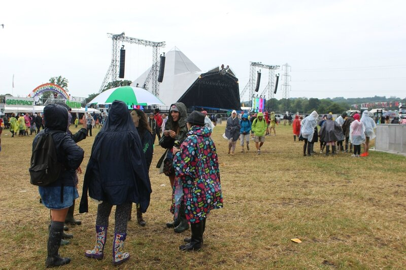 Pyramid Stage Glastonbury festival jeudi 26 juin 2014 Thursday 26 June pluie rain