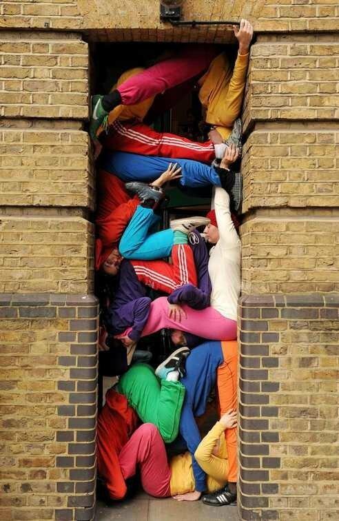 Willi-Dorner-bodies-in-urban-spaces-2-5