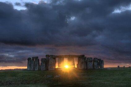 Soleil-Stonehenge