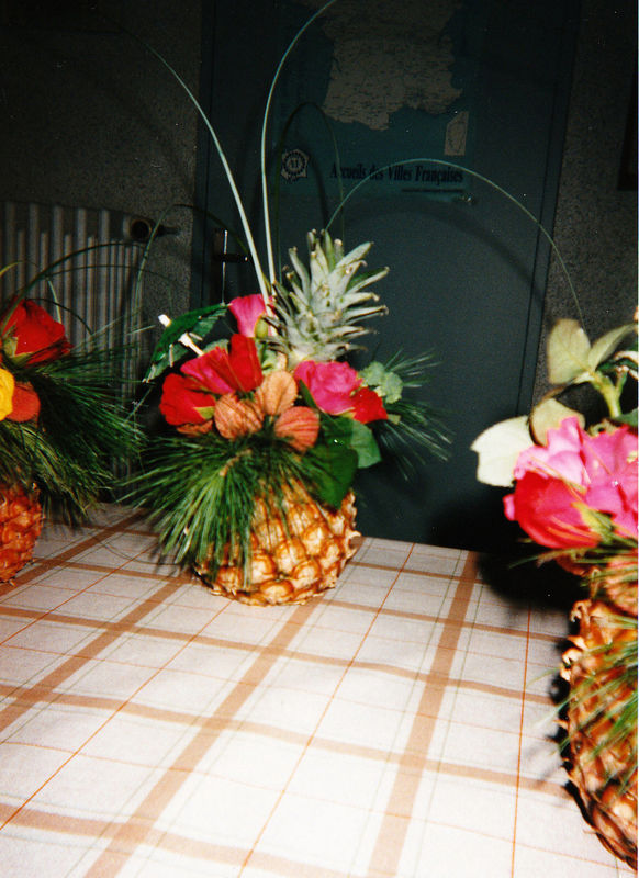 ananas , roses et litchees