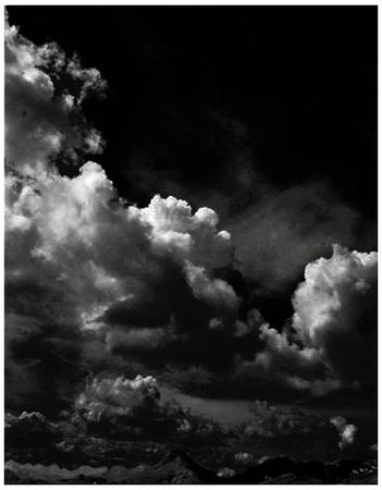 luc_photo_de_ciel_vertical_noir_et_blanc_150