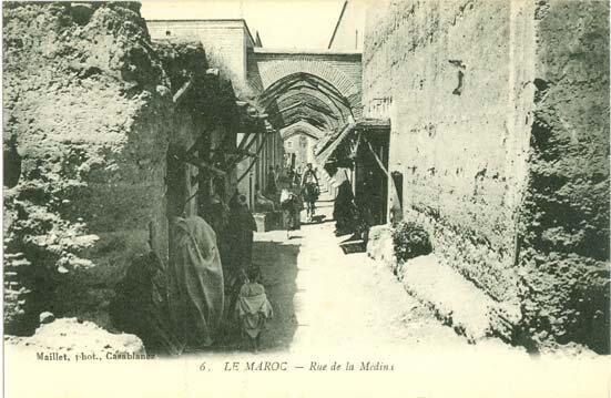 Maillet-L-rue-a-gauche-maison Harring-a-droite-glaoui