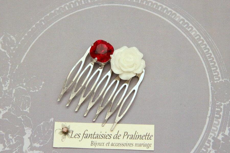accessoires-bijoux-mariage-boheme-peigne-fleur-rose-en-résine-cabochon-cristal-rouge-et-blanc-2