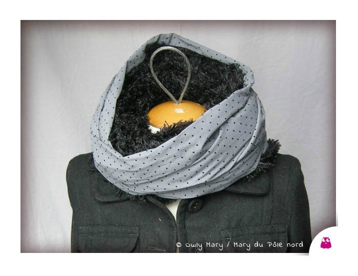 DSCN0058-tour-de-cou-snood-echarpe-foulard-ado-adulte-femme-gris-perle-pois-noir-fourrure-synthetique-polyester-poilue-poil-douce-owly-mary-du-pole-nord