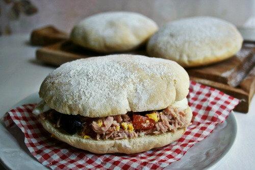 Pain faluche ( pour pan Bagnat et autres sandwichs )