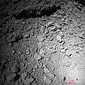 Surface de l'astéroïde Ryugu vu à une altitude de 25 mètres par MASCOT